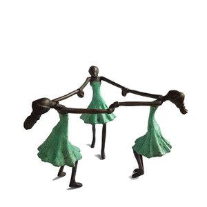 Beeld-brons-dansende-meisjes-groene-jurk